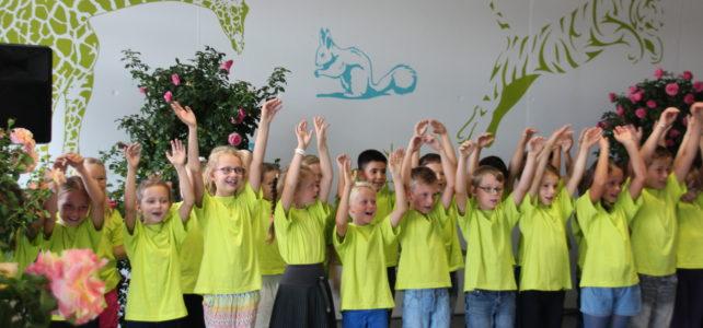 Schule nun auch offiziell eingeweiht